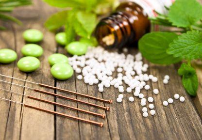 Abnehmen mit Homöopathie: Gute Alternative zum Teufelskreis Diät
